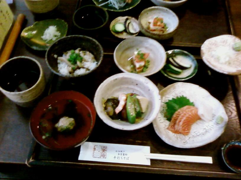 昼は和食で